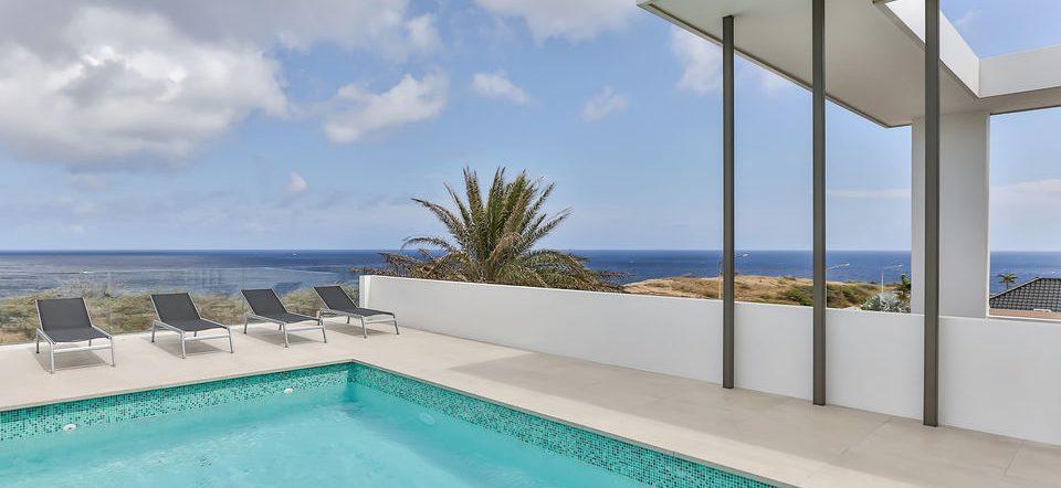 zwembad uitzicht villa curacao