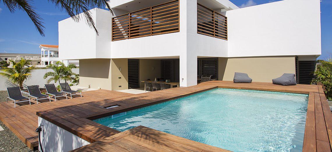 riccavita-villa-penthouse-janthiel-curacao-pool