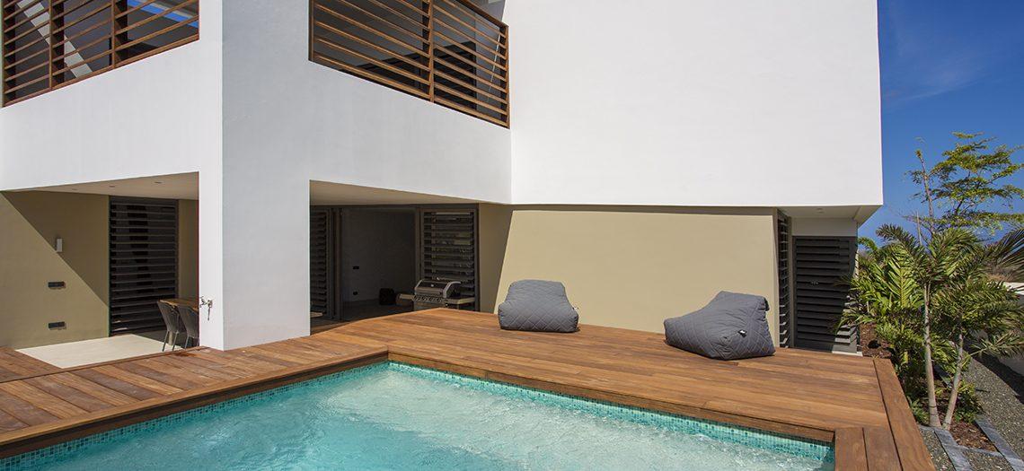 zwembad tuin vakantiewoning curacao