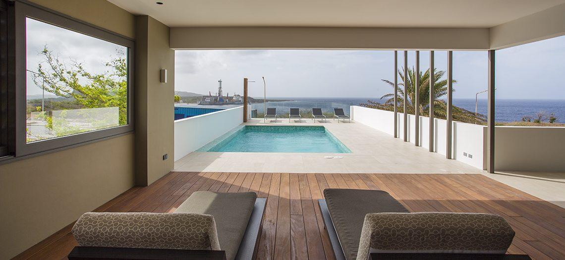uitzicht villa penthouse zwembad zee